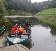 A well earned rest from the saddle gets us a bit further down the Whanganui River